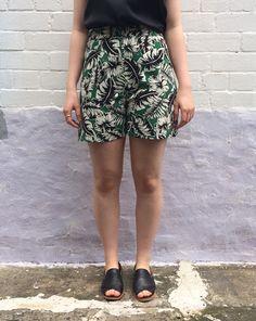 Pattern Review - (OOP) Vogue 2532 in Verde Tropicale - Sew Tessuti Blog
