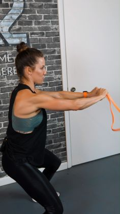 Resistance Bands Training Weekly Tip!🔥 Oblique Twists - Resistance Bands Tips - UNDERSUN Strength Bands create a very unique kind of tension called VRT, or Variable Resistance Tra - Resistance Band Training, Resistance Workout, Resistance Band Exercises, Muscle Building Foods, Muscle Building Workouts, Workout Warm Up, Ab Workout At Home, Strength Bands, Workout Routine For Men