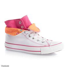Värikkäät Converse -tennarit