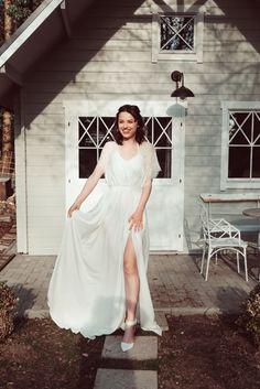 Fall in love with your weddingdress ♥ Handgemachte Brautmode aus Österreich: Finde DEIN KLEID bei Simone Steiner Bridal #brautkleid