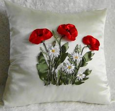 Фотография Ribon Embroidery, Ribbon Embroidery Tutorial, Pillow Embroidery, Embroidery Stitches, Embroidery Patterns, Bed Cover Design, Ribbon Art, Fabric Flowers, Flower Designs