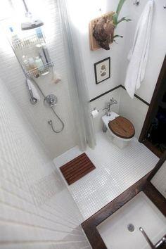 Jesse Jane salle de bain pipe lesbienne sangle sur l'amour