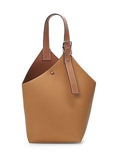 Loewe Leather Balloon Bag In Light Caramel Fashion Handbags, Fashion Bags, Fashion Shoes, Women's Fashion, Loewe Bag, Diy Handbag, Unique Purses, Vintage Purses, Kate Spade Purse