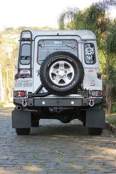 Para-choque traseiro Defender 90 e 110 – Mod 1 | Power Off Road - Acessórios 4x4 Defender 90, Land Rover Defender 110, Land Rover Car, Landrover Defender, Land Rovers, 4x4 Trucks, Lifted Trucks, Motorhome, Jeep Suv