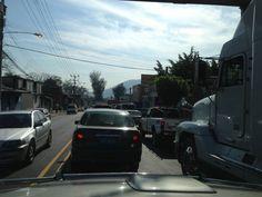 Tráfico pesado en el bulevar Venezuela a la altura del Cementerio General vía @EddieFrancia