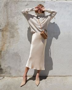 Mode Outfits, Skirt Outfits, Winter Outfits, Fashion Outfits, Womens Fashion, Fashion Trends, Midi Skirt Outfit, Dress Winter, Chic Outfits