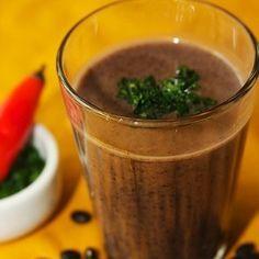 Caldinho de feijão-preto com cachaça (receita da chef Ciça Ribeiro)