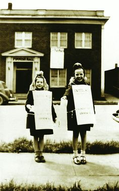 Vintage photos of Jehovah's Witnesses in Seattle.