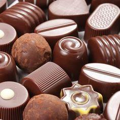 Chocolate I love to eat Chocolate Navidad, Chocolate Bonbon, Chocolate World, Chocolate Brands, Death By Chocolate, Chocolate Sweets, I Love Chocolate, Chocolate Shop, Chocolate Gifts