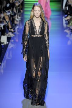 Elie Saab Spring 2016 Ready-to-Wear Fashion Show - Roos Abels (Ford)