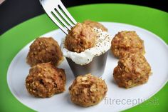 Fish - the healthy food in a shape of ball. If you need to supplement the protein base and healthy unsaturated fatty acids, these healthy and fit tuna balls will do it easy peas. Healthy Meals For Kids, Healthy Baking, Kids Meals, Healthy Recipes, Gluten Free Oats, Le Diner, Baked Fish, Omega 3, Food Dishes
