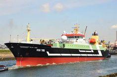 Ros 785 helen mary in het noordzeekanaal uit amsterdam op weg naar ijmuiden .