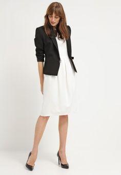 Die perfekte Ergänzung für deinen Kleiderschrank. Kilian Kerner Senses Jerseykleid - creme für 139,95 € (25.03.16) versandkostenfrei bei Zalando bestellen.