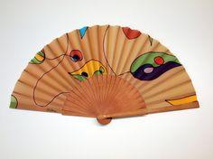 Abanico de seda pintado a mano-Abanico para bodas-Damas de honor-Diseño de autor-Abanico español-Abanico con tonos tostados-Abanico único