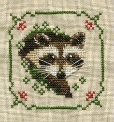 CROSS-STITCH - BRODERIE - BORDUURWERK - BLAIREAU - amor amor amorrr ... amo los mapaches :3 Raccoon cross stitch