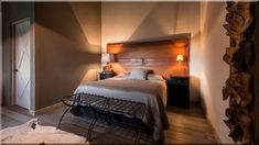rusztikus stílusú hálószobák - Luxuslakások, házak Provence, Bed, Furniture, Home Decor, Luxury, Decoration Home, Stream Bed, Room Decor, Home Furnishings