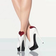 Shoespie Contrast Heart Shape Platform Heels