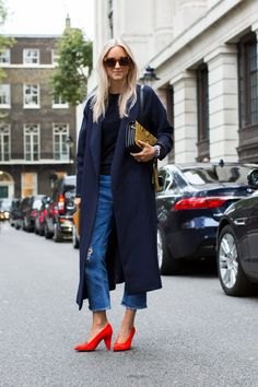 Summer coat and red heels | For more style inspiration visit 40plusstyle.com