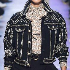 Denim Fashion, Look Fashion, 90s Fashion, High Fashion, Fashion Show, Fashion Outfits, Womens Fashion, Fashion Design, Fashion Trends