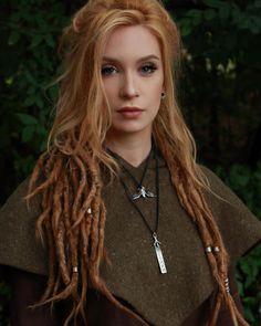 viking ♥ I like her hair!!