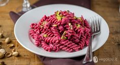 Pasta!! 40 Deliziose Ricette Tutte Da Provare! - The Bella Vita My Favorite Food, Favorite Recipes, What You Eat, Spaghetti, Penne, Gnocchi, Pasta Salad, Buffet, Raspberry