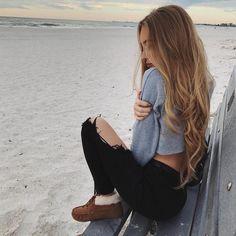 Imagem de fashion, girl, and beach