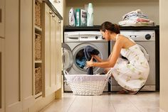 Aprenda a fazer a limpeza correta da máquina de lavar roupas - Receitas da Rede Household Chores, Household Cleaners, Cleaning Solutions, Cleaning Hacks, Cleaning Checklist, Cleaning Products, Ink Out Of Clothes, Baking Soda Cleaning, Grease Stains
