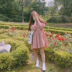 ไอเดีย เดรสกระโปรงสั้น สไตล์สาวเกาหลี Cute Vintage Outfits, Korean Photography, Cute Girl Photo, Chico Ulzzang, Uzzlang Girl, Korea Fashion, Girl Fashion, Swag Outfits, Aesthetic Clothes