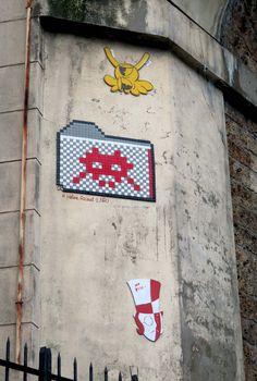 Space Invader PA_933_Artiste : Invader_Rue d'Alésia (14è Arrt, Paris, France)_2017-02-16 © Hélène Ricaud (LNR)