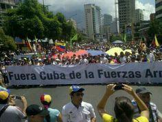 Venezuelans protesting Cuban occupation within the military forces ... 16M Ya en la Plaza el Indio Chacao fuera los cubanos de la Fuerza Armada. pic.twitter.com/ayho5vaXVC