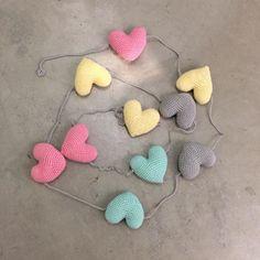 Cute Crochet, Knit Crochet, Baby Deco, Cute Little Things, Candy Party, Crochet Earrings, Crochet Patterns, Christmas Decorations, Nursery
