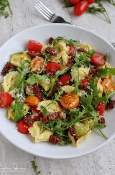 Pasta Salad, Cobb Salad, Tortellini, Salad Recipes, Healthy Recipes, Food Inspiration, Potato Salad, Grilling, Lunch Box