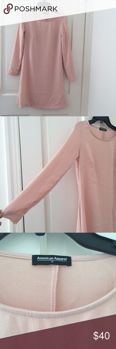 American apparel long sleeve dress 🍥🍧🎀🌸  Baby pink American apparel dress 👗 in size XS but fits like a small/medium. Has long sleeves and the dress is a midi length. Has no zipper or buttons. In good condition, no major damage. Perfect for the summer American Apparel Dresses Midi
