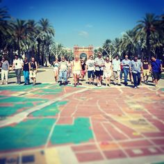 Turistes a l'assalt de #Barcelona #BCN #mapa #Tricentenari