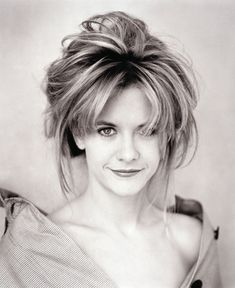 Meg Ryan posters - Size: 12 x 17 inch, 18 x 24 inch, 24 x 32 inch Meg Ryan Young, Meg Ryan Now, Meg Rayan, Meg Ryan Short Hair, Realistic Hair Drawing, Celebrities Then And Now, She's A Lady, Female Friends, Portraits