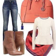 Jeans+bootcut+abbinato+a+stivaletto+e+maglia+morbida+in+vita.+Splendida+la+borsa+a+mano+di+Guess+color+arancio.+Uno+splendido+foulard+al+collo+come+accessorio+nei+primi+giorni+d'autunno,+senza+indossare+la+giacca.+Un+ciondolo+blu+che+riprende+il+colore+dl+jeans,+per+ravvivare+la+maglia+dai+toni+chiari.