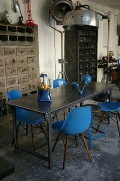 Table en métal indus des années 40