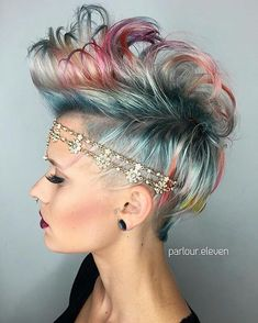 Get inspired by these unique unicorn wedding hairstyles. We are talking braids, pink hair, blue hair, rainbow hair, ALL THE UNICORN HAIR. Funky Hairstyles, Party Hairstyles, Wedding Hairstyles, Male Hairstyles, Hairstyles 2018, Wedding Updo, Celebrity Hairstyles, Short Hair Cuts, Short Hair Styles