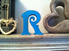 Freestanding Wooden Wedding Letter 'R' - Distressed Finish - 15cm - Victorian £5.95