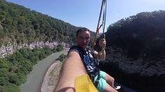 Как прыгнуть в пропасть с высоты в 207 метров