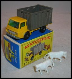 I have the truck but lost the animals Antique Toys, Vintage Toys, Microcar, Farm Toys, Matchbox Cars, Metal Toys, Hot Wheels Cars, Toy Trucks, Small Cars