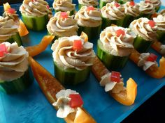cucumber hummus 'cupcakes' (love this - cucumber chunks frosted with hummus to look like little cupcakes)