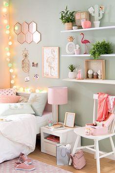 diy projet décoration chambre fille, peinture flamant en blanc et rose pastel, plantes vertes sur étagère blanche #LampDeChevet