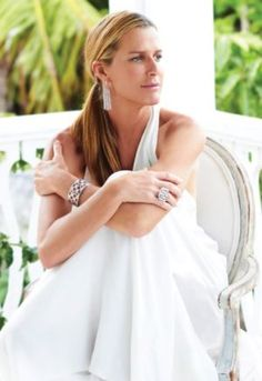 India Hicks has a famous designer and Royal heritage . Her father was David Hicks, her grandfather was the final British Viceroy of India, and Prince Charles is her godfather.