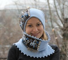 Inspiration for winter scarf and hat combo. Summer Beanie, Hat Display, Hat And Scarf Sets, Felt Art, Irish Crochet, Different Styles, Winter Hats, Crochet Hats, Cap