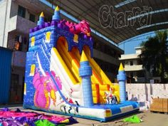 knight vs dragon inflatable slide for kids Kids Slide, Inflatable Slide, Fire Dragon, Obstacle Course, Adult Games, Knight, Challenges, Fiestas, Knights