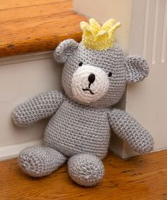 This huggable bear is just the right size to keep a little prince company on his worldwide travels. Crocheted in easy-care soft yarn, moms will love that he can be machine washed and tumble dried.