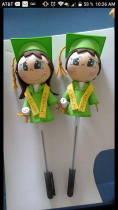 Graduation Crafts, Pen Toppers, 3d Paper Art, Doll Making Tutorials, Corpus Christi, Foam Crafts, Felt Dolls, Quilling, Baby Shower