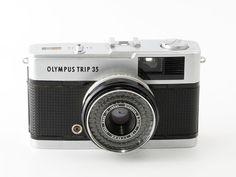 Olympus Trip 35 35mm Point & Shoot Film Camera Silver Shutter Button Version…