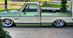 Love the color combo on this 67 72 Chevy Truck, Classic Chevy Trucks, Chevy C10, Chevy Pickups, Chevrolet Trucks, Bagged Trucks, Lowered Trucks, C10 Trucks, Old Pickup Trucks